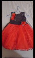 Used girl party frock 2 to 4 year girl in Dubai, UAE