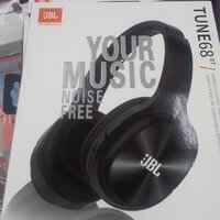 Used Tune 68;bt headset.. JbL new packed in Dubai, UAE
