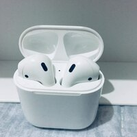 Used APPLE AIRPOD 2 WIRELESS ONLY ✔️✔️✔️✔️✔️ in Dubai, UAE