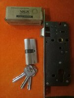 Used High quality door lock full set w.3 Key' in Dubai, UAE
