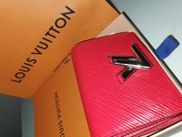 Used ORIGINAL Louis Vuitton wallet!!!! in Dubai, UAE