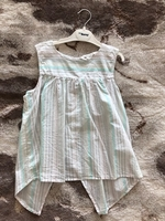Used H&M top for girl  8-9 years old  in Dubai, UAE