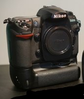 Used Nikon D200 Body with grip n 2 Battery in Dubai, UAE