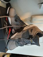 Used Air Jordans 4 retro grey in Dubai, UAE