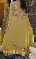 Pakistani stylish girls ready made dress