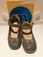 Used Girl's shoes size EU26 suede  in Dubai, UAE