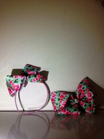 Used Green and red roses Bow and Band in Dubai, UAE