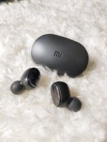 Used .brand new Mi earbuds. in Dubai, UAE