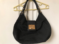 Used DKNY black shoulder bag  in Dubai, UAE