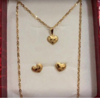 Used 18k gold set heart necklace with earings in Dubai, UAE