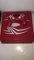 Used Ps4 spiderman with controller  in Dubai, UAE