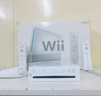 Used Nintendo Wii Console with accessories  in Dubai, UAE