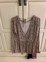 Top from american eagle worn once size L