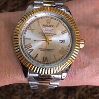 Used Rolex wristwatch first class copy  in Dubai, UAE