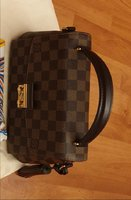 Used LV bag aithantic as new in Dubai, UAE