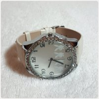 WHITE FABULOUS WATCH