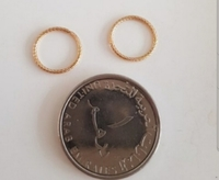Used New 10karat gold earrings not plated in Dubai, UAE