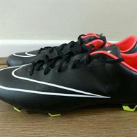 Used Nike mercurial Veloce FG football boots size us 10 in Dubai, UAE