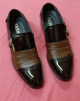 Used Men's business shoes, 245 size ! in Dubai, UAE
