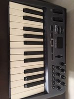 Used Wts oxygen 25 midi keyboard in Dubai, UAE