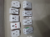 Used 9 adapters new only 99 aed with delivry in Dubai, UAE