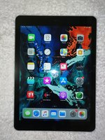 Used Ipad AIR 1 black16GB no scratch like new in Dubai, UAE