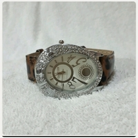 Used CARTIER watch for her.. in Dubai, UAE