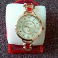 women watch rose gold