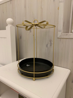 Used Gold gift stand in Dubai, UAE