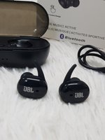 Used Earbuds JBL TWS4 with charging case in Dubai, UAE