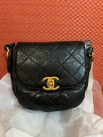 Used Unwanted gift chanel bag in Dubai, UAE