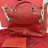 Used carolina herrera hand bag in Dubai, UAE