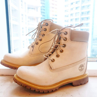 Used Timberland off white in Dubai, UAE