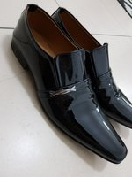 Used Black glossy shoes in Dubai, UAE