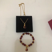 Red agate jewelry necklace and bracelet