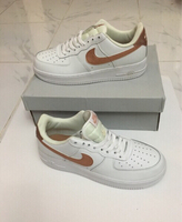 Used Nike Air white size 43, new  in Dubai, UAE