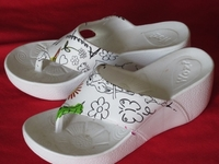 Used Brand new beach slipper  in Dubai, UAE