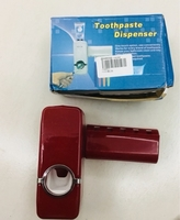 Used Toothpaste + toothbrushes holder New in Dubai, UAE