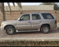 Used سيارة كاديلاك  CADILLAC ESCALADE  2005 in Dubai, UAE