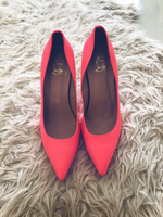 Used pointed high heels in Dubai, UAE