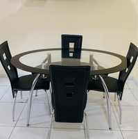 Used 4 seater dining table from home center in Dubai, UAE