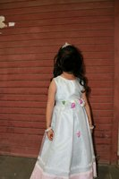 Used Gown for girl age 5 to 7 in Dubai, UAE