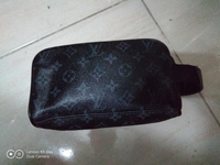 Used Lv pouch 1pc in Dubai, UAE
