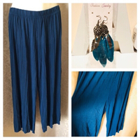 Skirt pants size 4XL & feather earrings