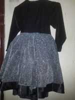 Used dress for girl. (2 pieces) in Dubai, UAE