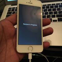 Used Iphone 5s 64gb White Silver, Fully Clean Never Repaired As Good As New in Dubai, UAE