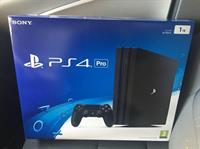 Used PS4 PRO Brand New in Dubai, UAE
