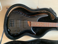 Used Ibanez SR670 bass guitar, Fender amp in Dubai, UAE