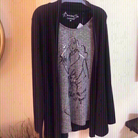 Used Top size medium 💯new in Dubai, UAE