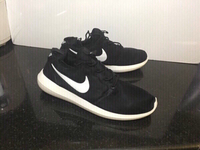Used Nike sneakers size 42, new in Dubai, UAE